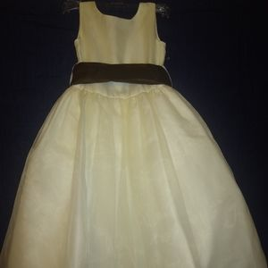 US Angels flower girl dress size 4. 100% polyester